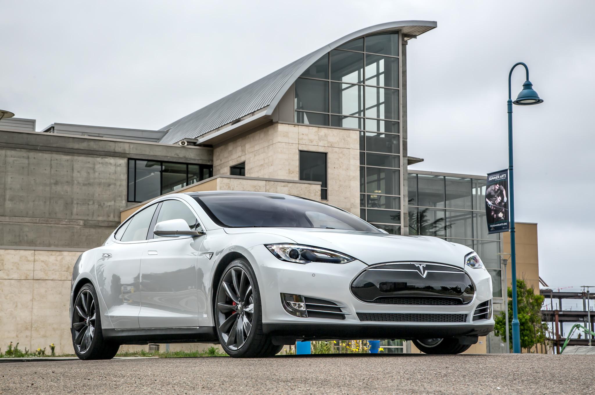 2014 Tesla Model S 60 Exterior Preview