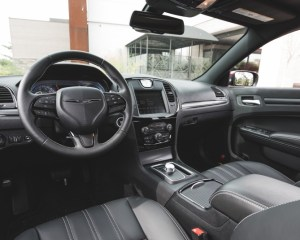 2015 Chrysler 300 Cockpit Interior