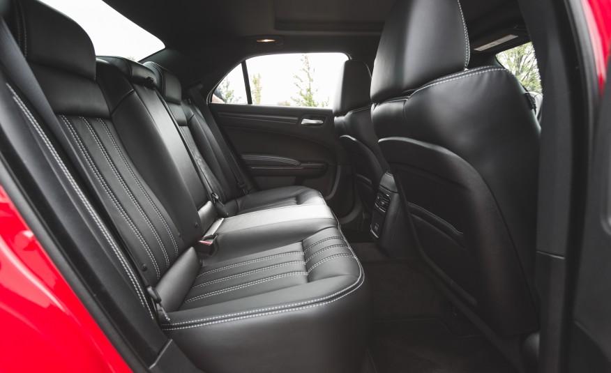 2015 Chrysler 300 Rear Seats Space