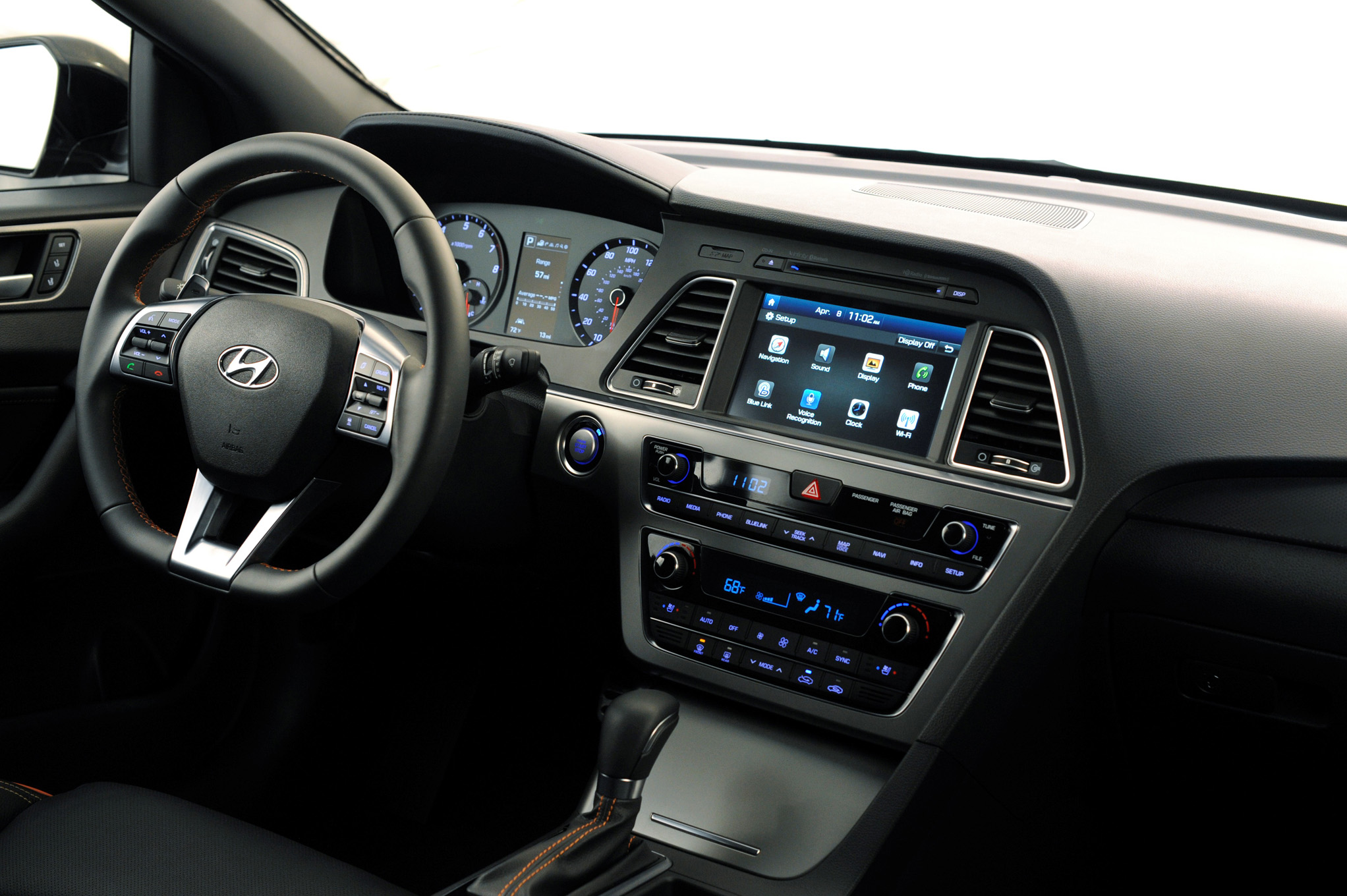 2015 Hyundai Sonata Dash and Head Unit
