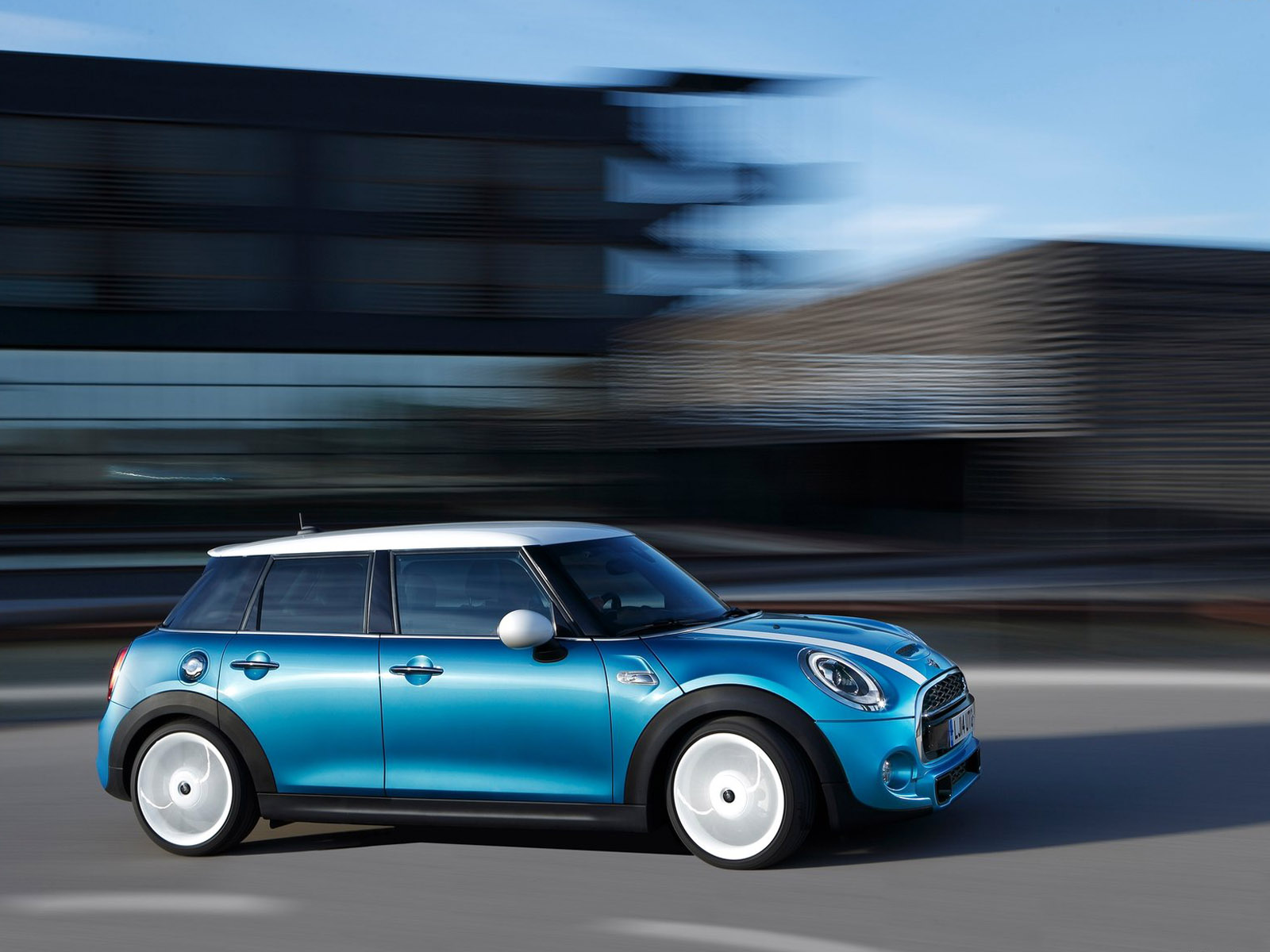 2015 Mini Cooper 5-Door Road Test