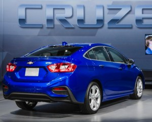 2016 Chevrolet Cruze Blue Rear Design