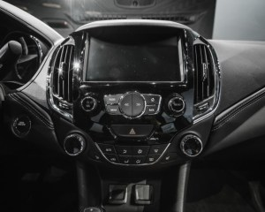 2016 Chevrolet Cruze RS Head Unit and Dashboard