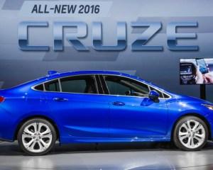 2016 Chevrolet Cruze Right Side Photo
