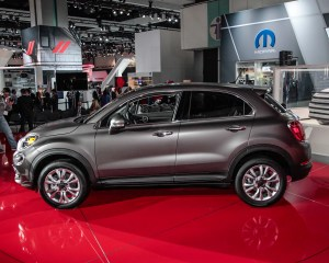 2016 Fiat 500X Side View in Auto Show
