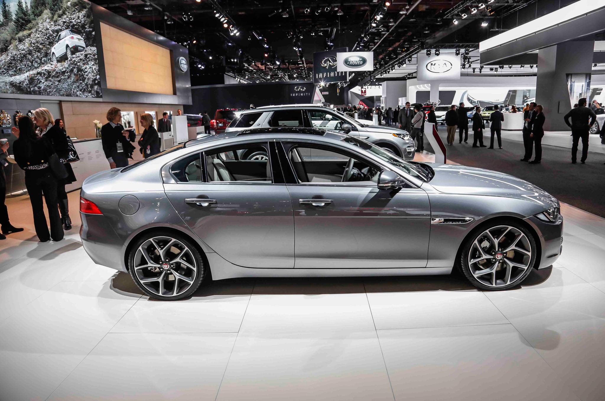 2016 Jaguar XE Side Photo