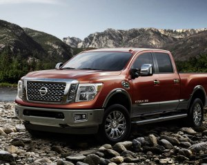 2016 Nissan Titan XD Front Side View