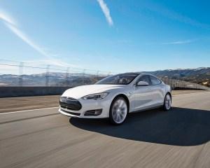 Tesla Model S 60 Front Side Photo