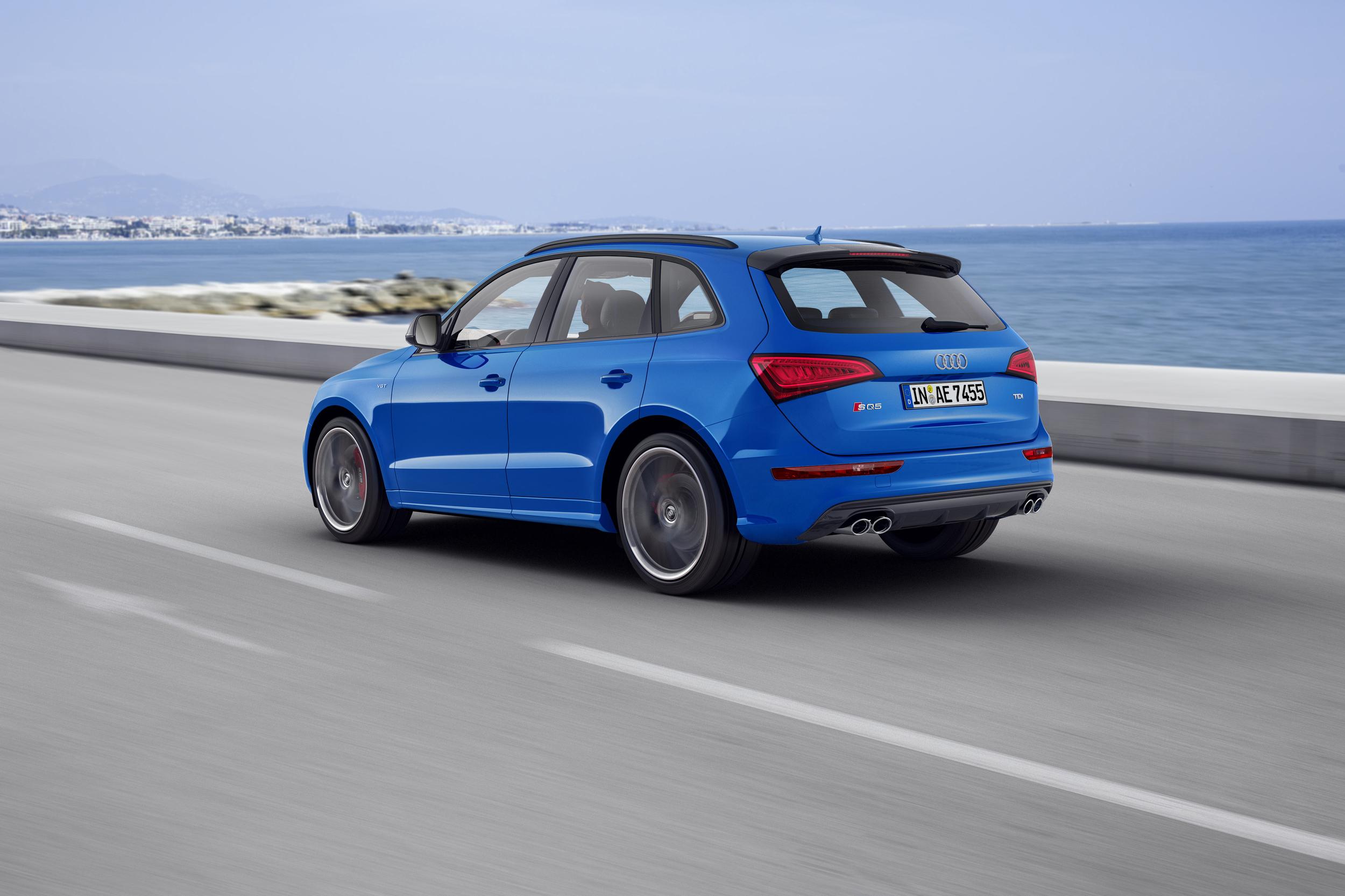 2016 Audi SQ5 TDI Plus Rear Side Exterior