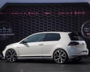 2016 Volkswagen Golf GTI Clubsport Side Exterior Preview