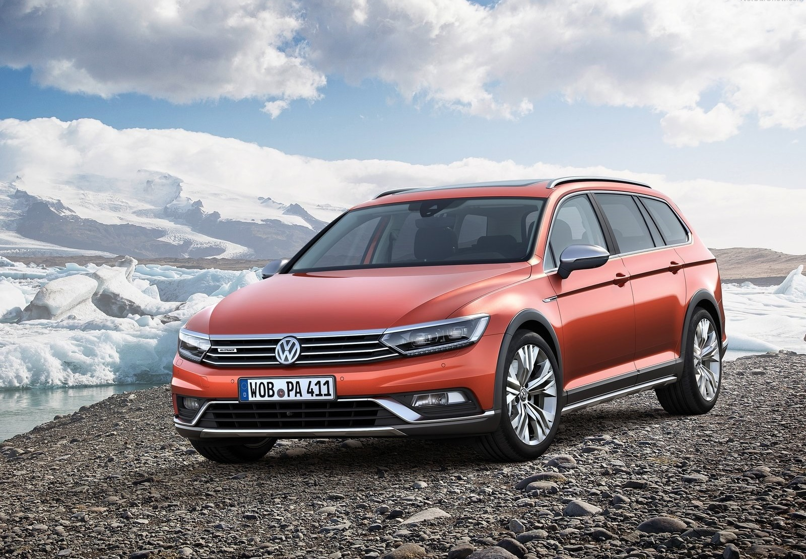 2016 Volkswagen Passat Alltrack Front Exterior Preview