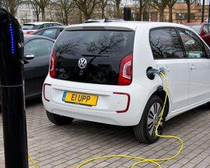 Volkswagen e-Up Charging