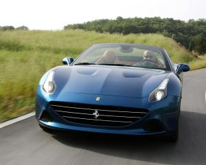 Front Design: 2015 Ferrari California T