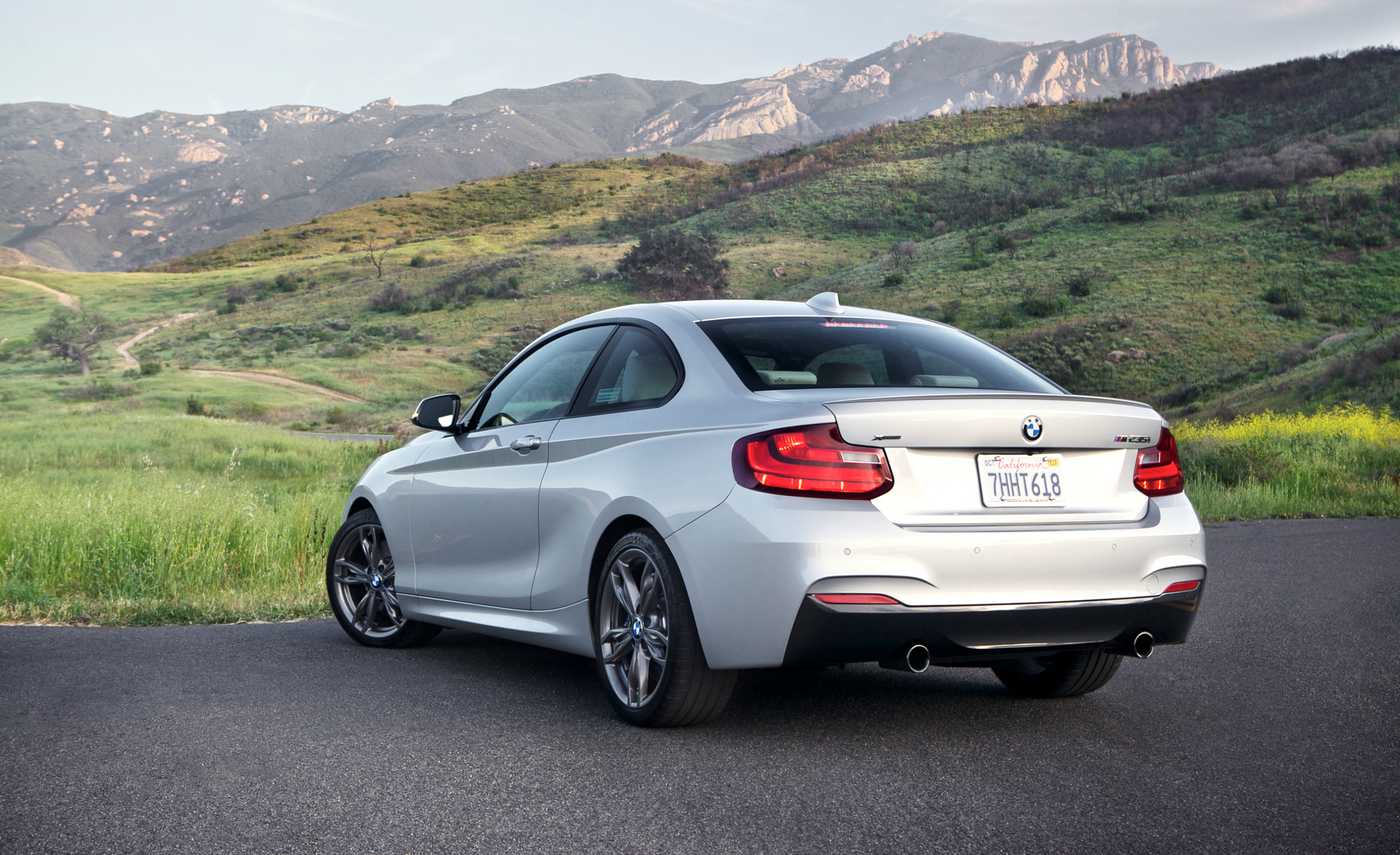 2015 BMW M235i xDrive Exterior Rear and Side