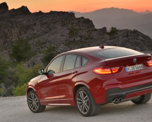 2015 BMW X4 xDrive35i Exterior Side and Rear