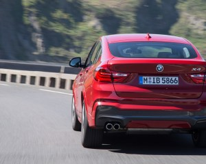 2015 BMW X4 xDrive35i Test Rear View