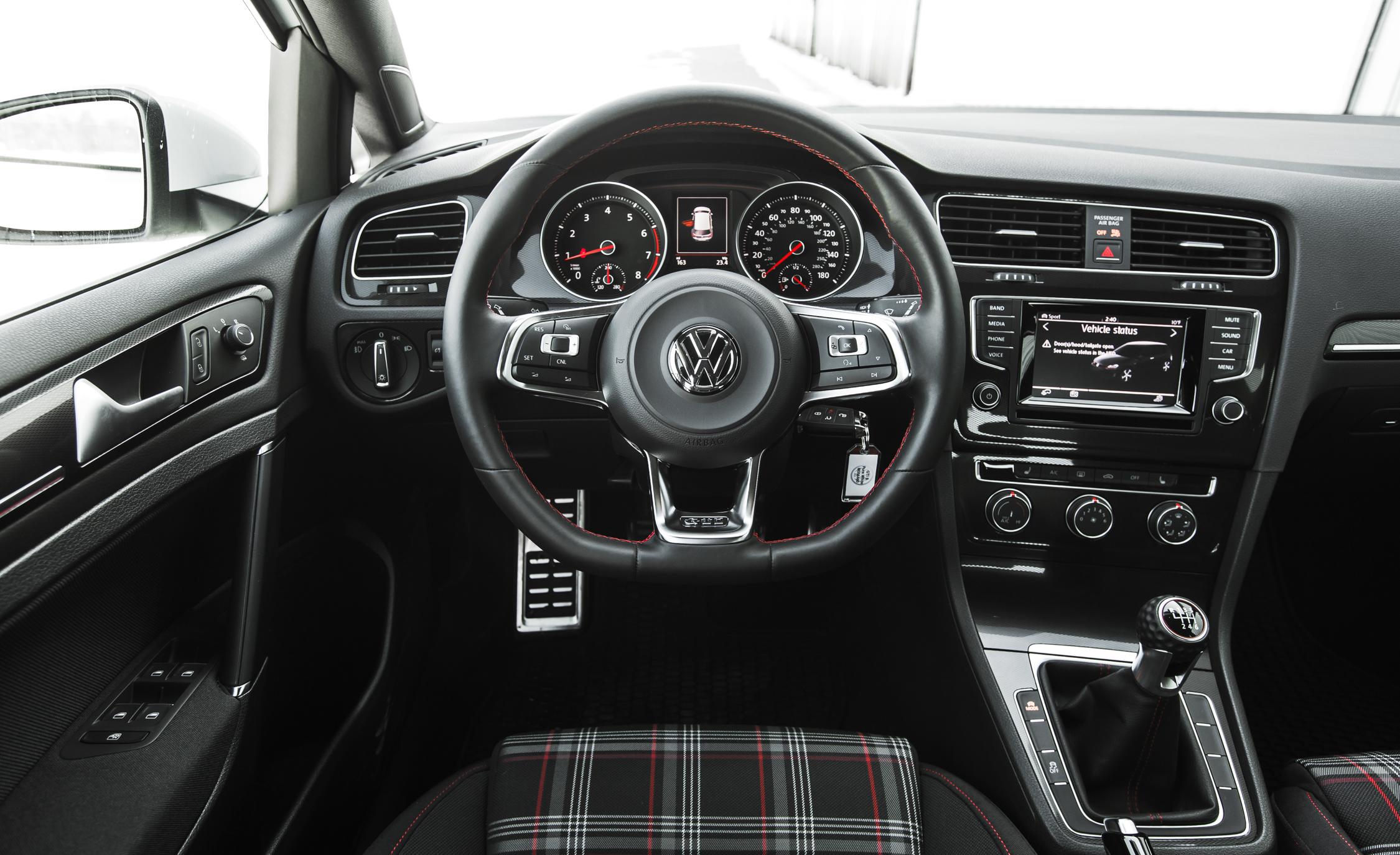 2015 Volkswagen GTI Interior Steering