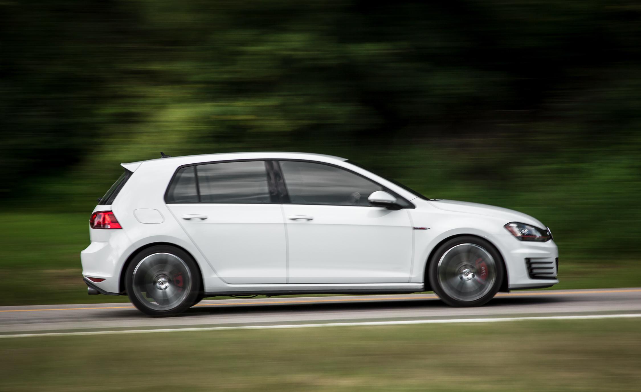 2015 Volkswagen GTI Test Side View