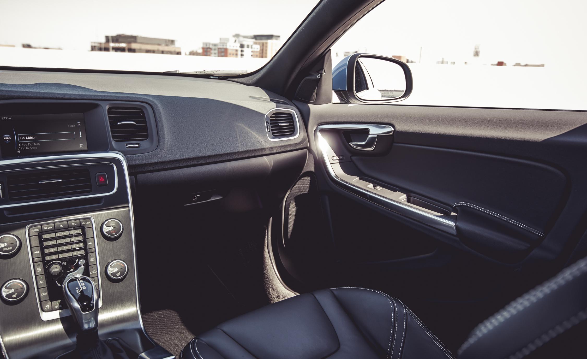 2015 Volvo V60 Interior Passenger Dash