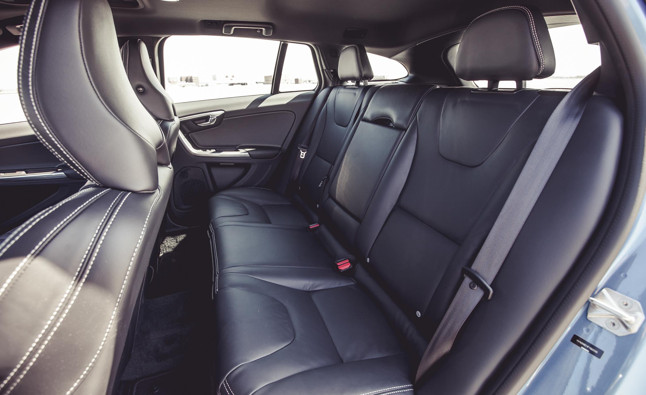 2015 Volvo V60 Interior Passenger Seats Rear