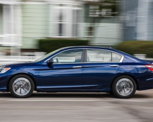 2016 Honda Accord EX Test Side View
