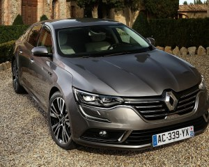 2016 Renault Talisman Front View