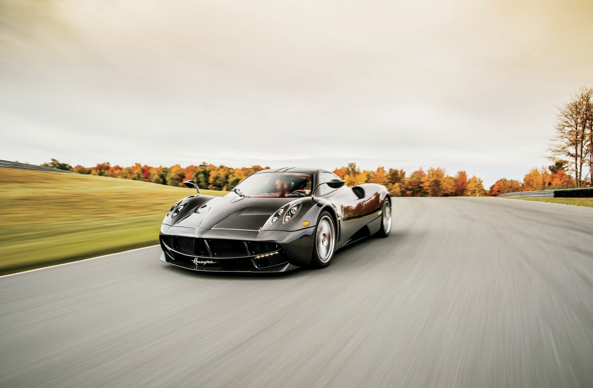 Performance of 2015 Pagani Huayra
