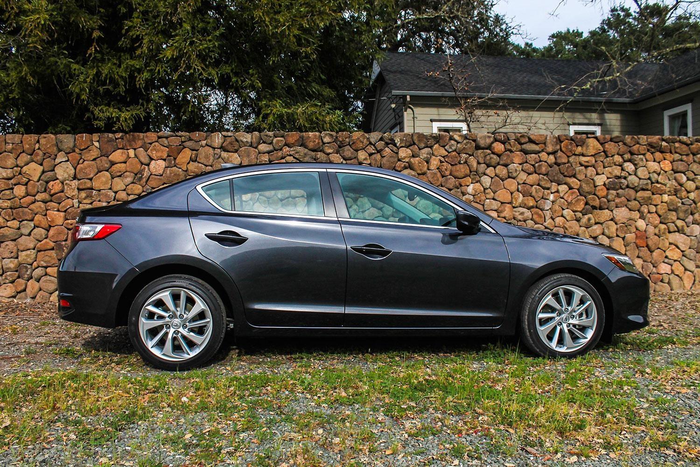Side Profile: 2016 Acura ILX