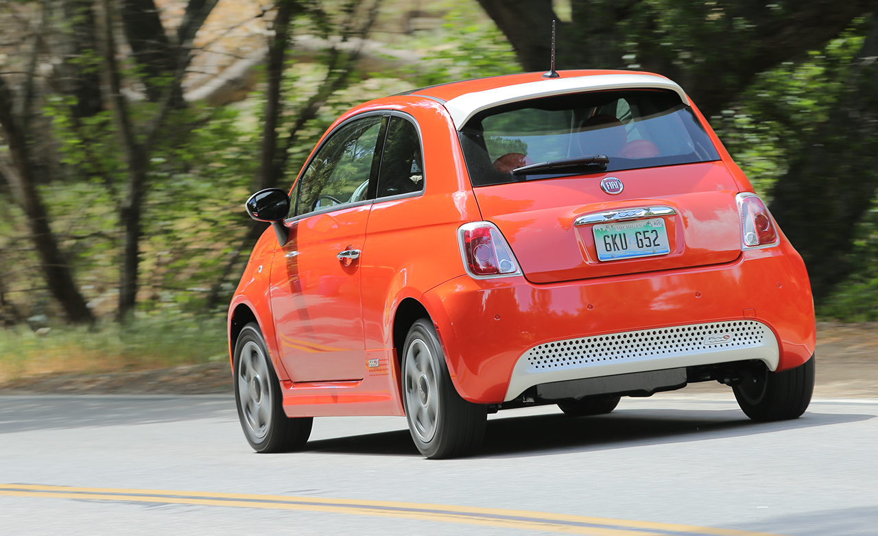 2015 FIAT 500e Exterior Rear Side View