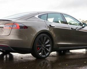 2015 Tesla Model S P85D Rear and Side Body