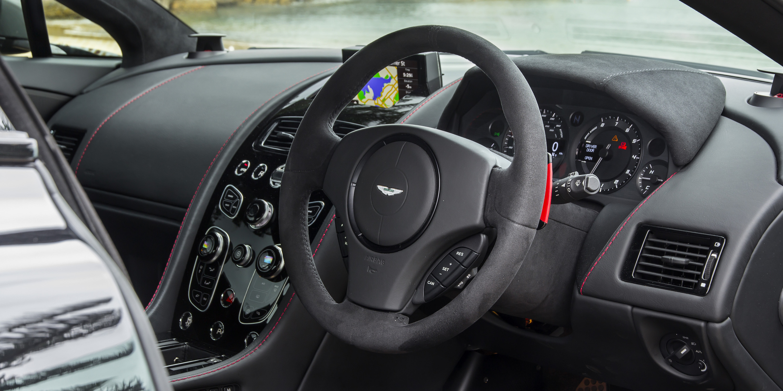 2016 Aston Martin Vantage GT Steering