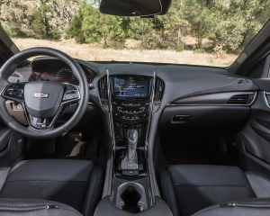 2016 Cadillac ATS-V Cockpit and Dashboard