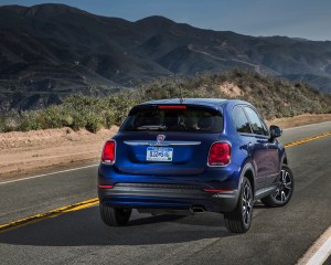 2016 Fiat 500X Easy Exterior Rear Side