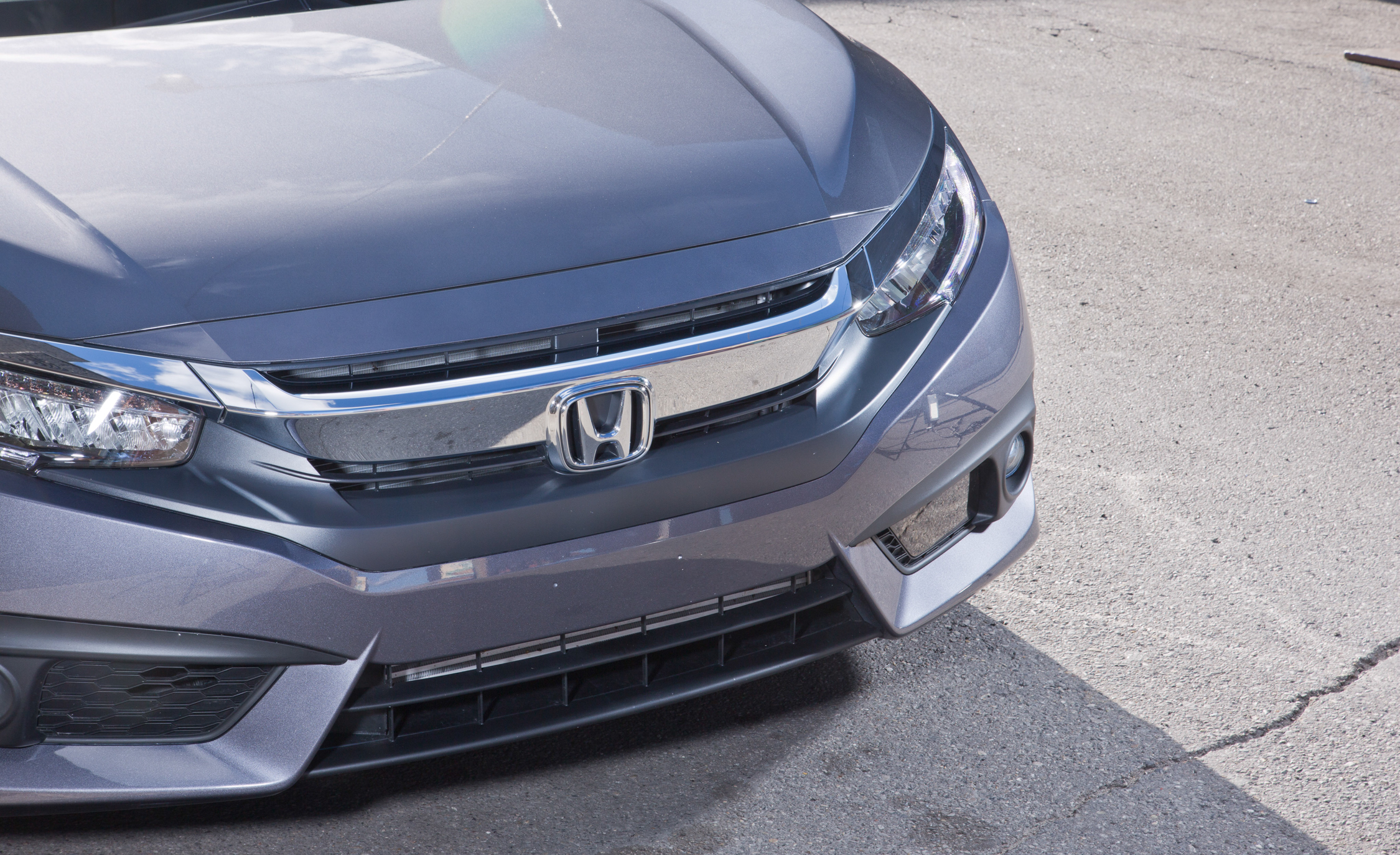 2016 Honda Civic Touring Exterior Grille