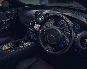 2016 Jaguar XJR Interior Preview