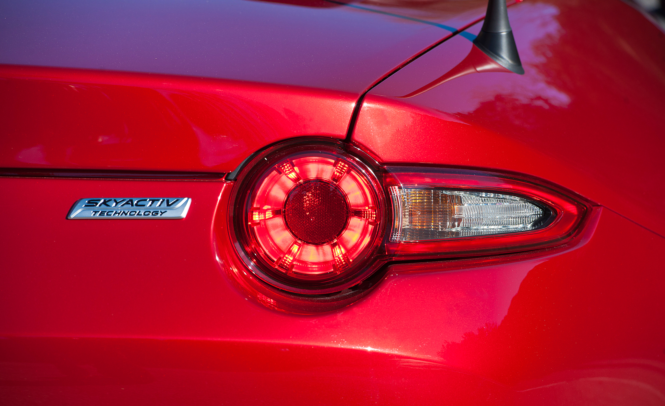 2016 Mazda MX-5 Miata Right Taillight and Emblem