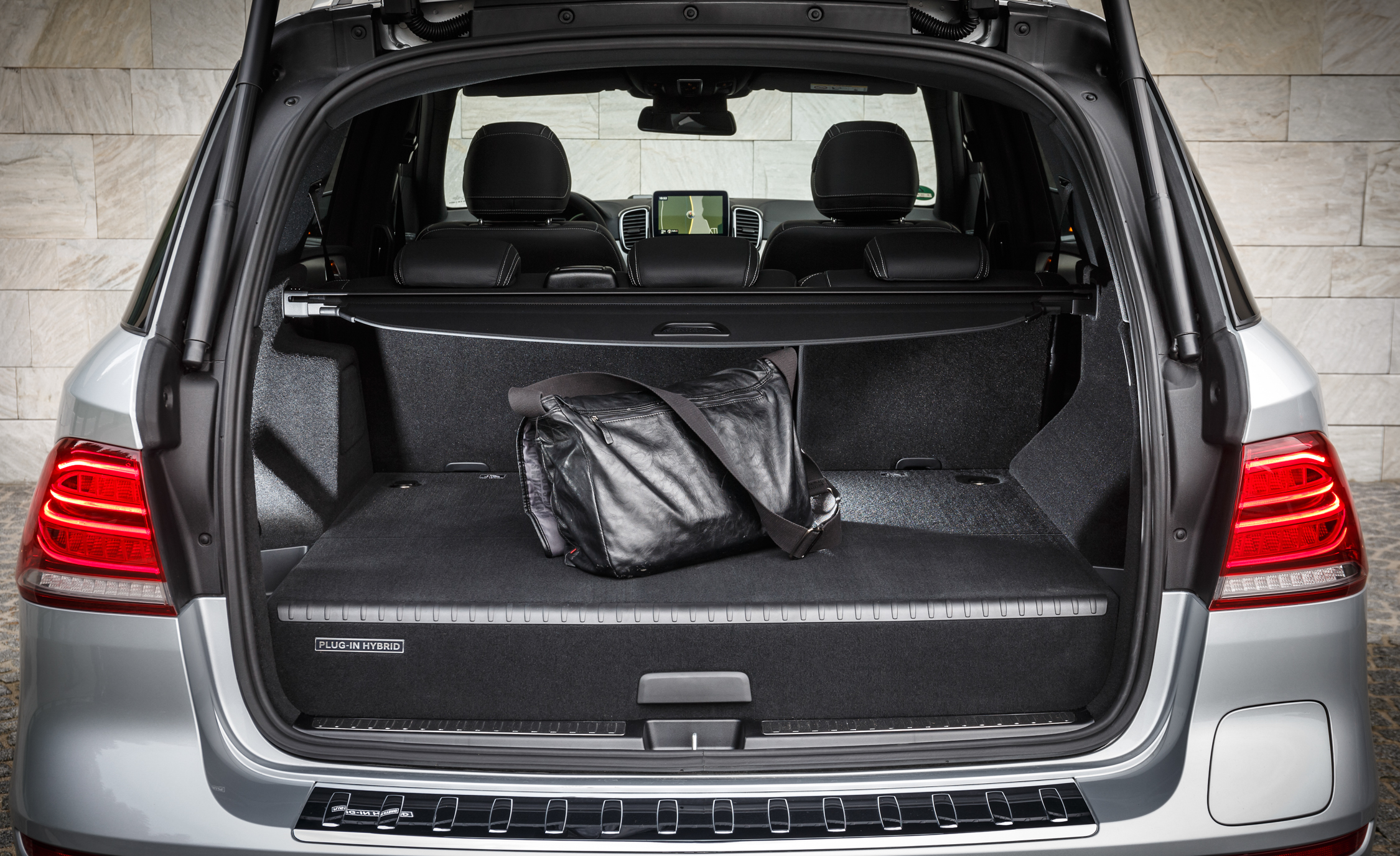 2016 Mercedes-Benz GLE500e 4MATIC Interior Cargo Space