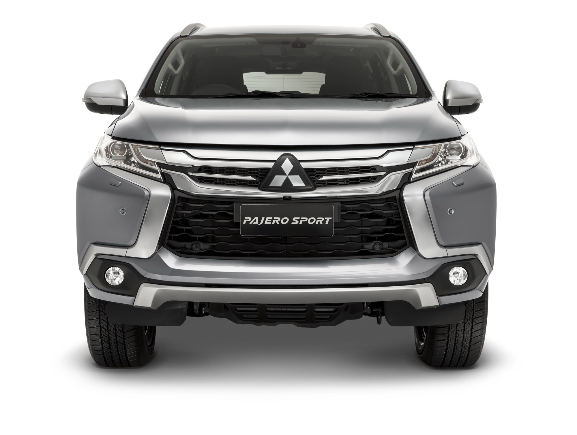 2016 Mitsubishi Pajero Sport Front