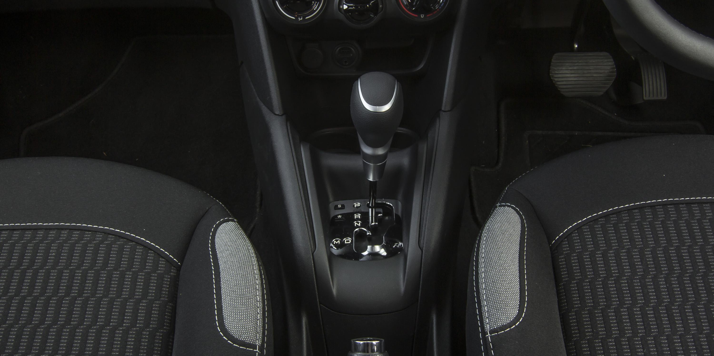 2016 Peugeot 208 Active Gear Shift Knob