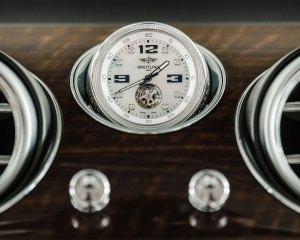 2017 Bentley Bentayga Luxury Clock