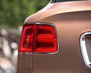 2017 Bentley Bentayga Taillight