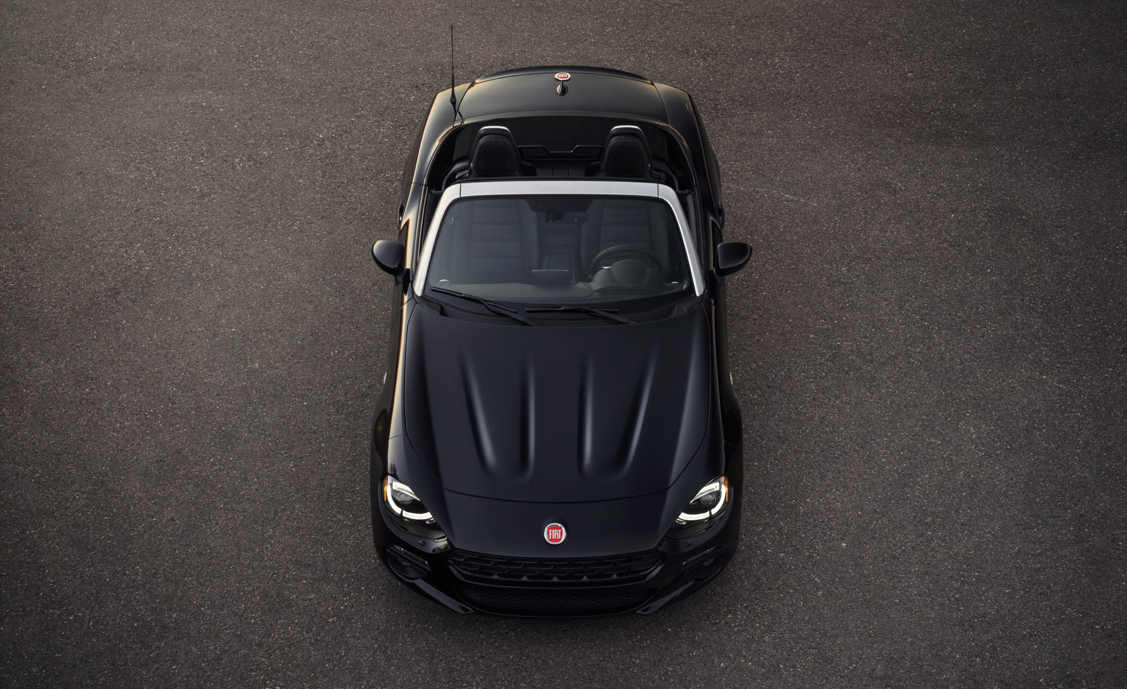 2017 Fiat 124 Spider Front Top View