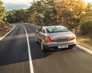 Rear Photo 2016 Jaguar XJL