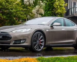 Review Tesla Model S P85D 2015