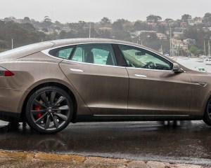 Side Body Tesla Model S P85D 2015