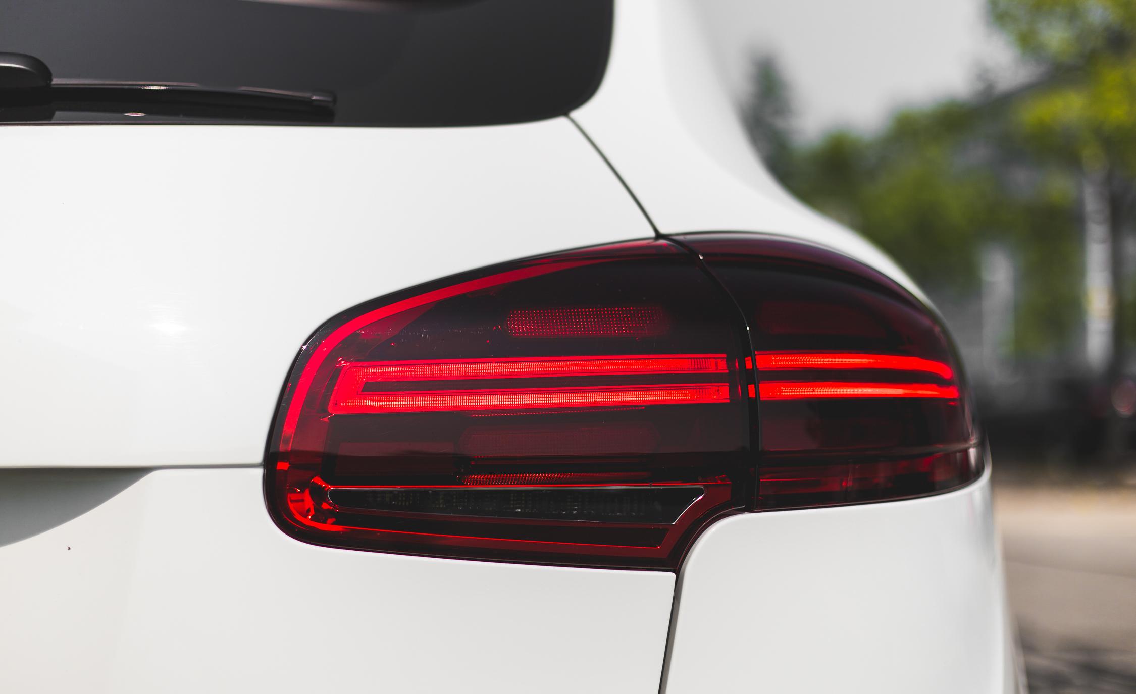 Taillight Porsche Cayenne S E-Hybrid 2015