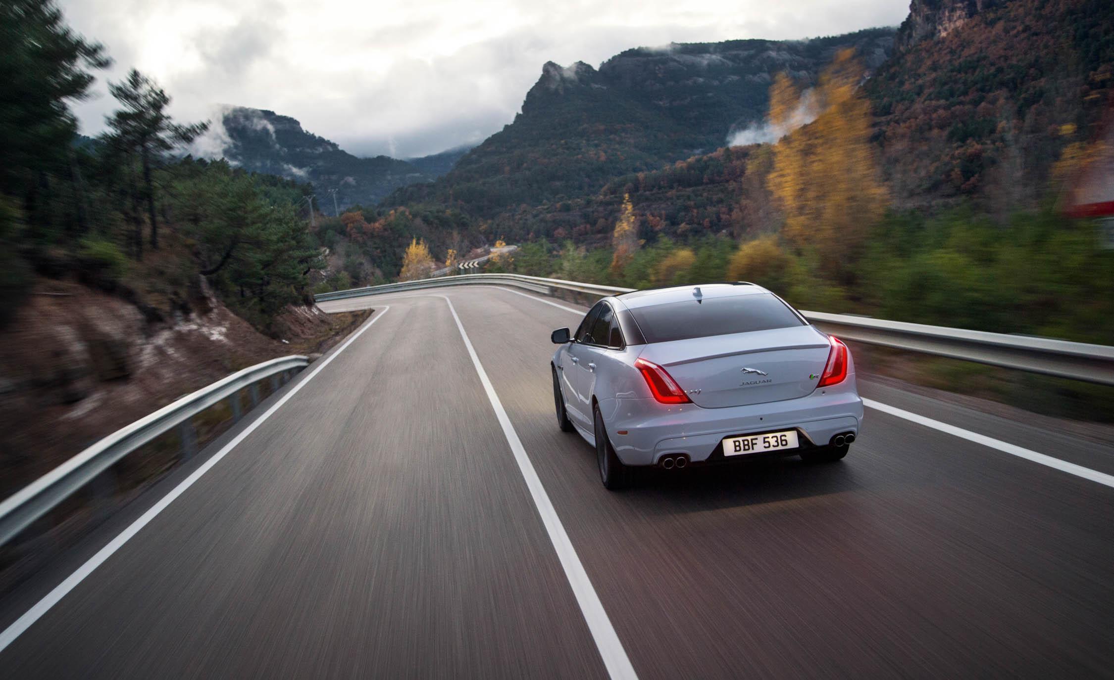 White 2016 Jaguar XJR