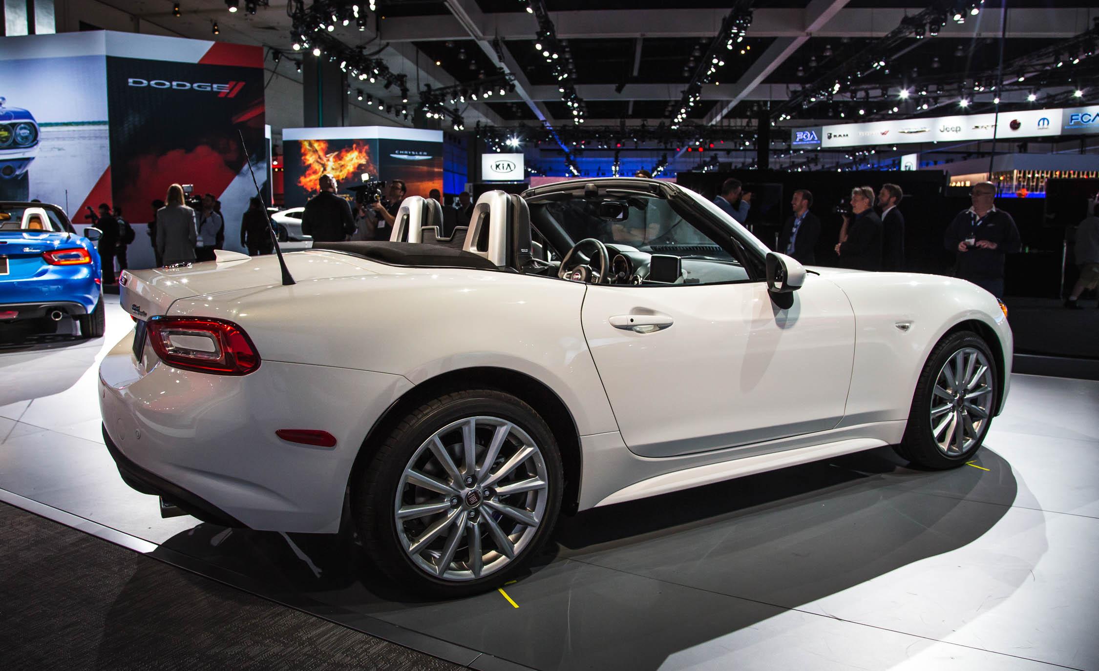 White 2017 Fiat 124 Spider Auto Show