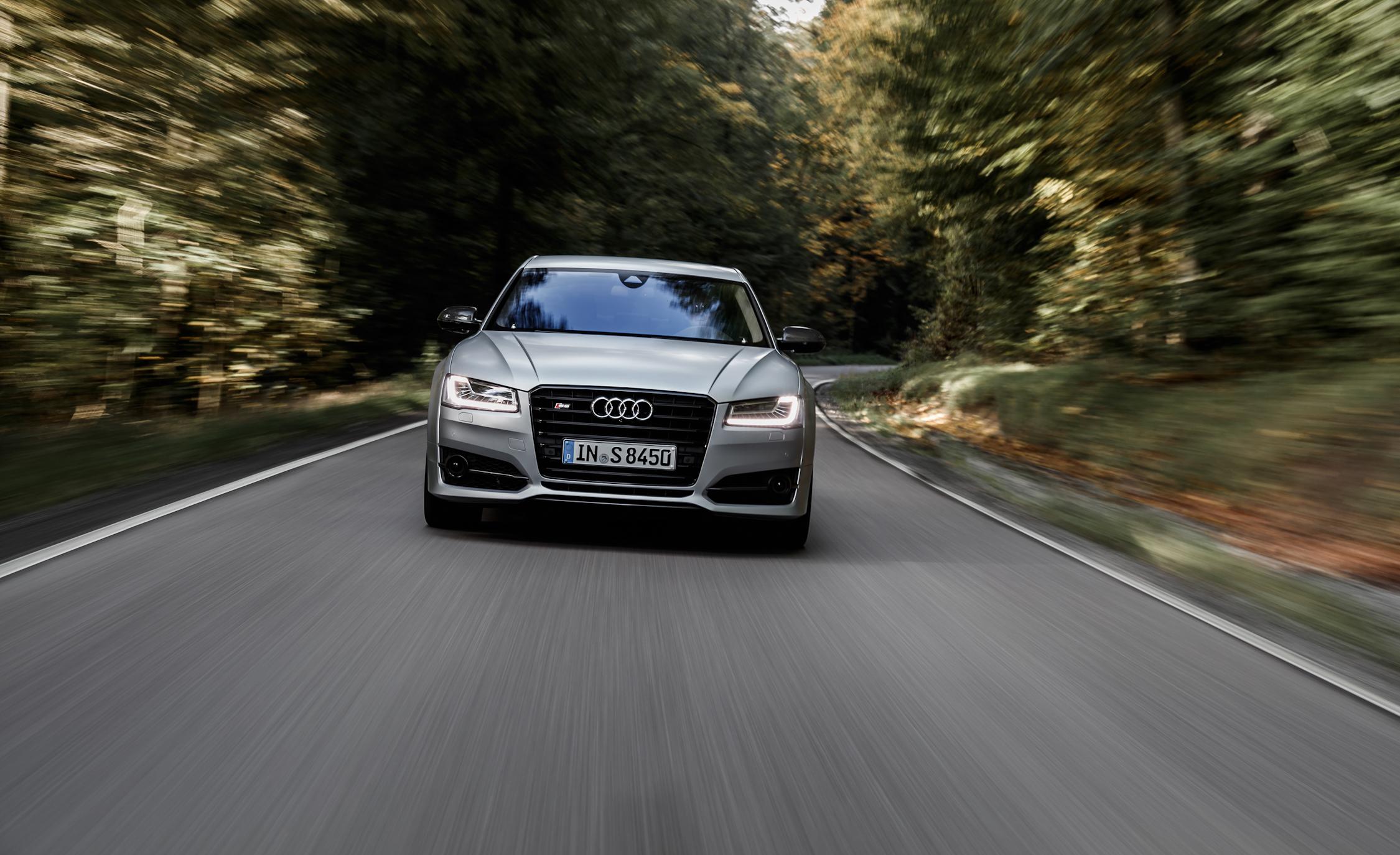 2016 Audi S8 Plus Test Front View