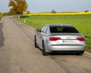 2016 Audi S8 Plus Test Rear Photo